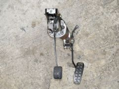 MAZDA MX5 EUNOS (MK1 1989 - 1997) PEDAL ASSEMBLY - BRAKE AND ACCELERATOR PEDALS